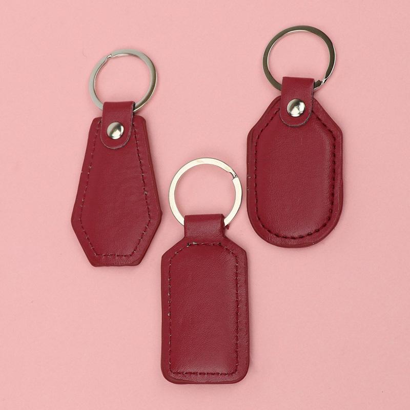 آویز و جا کلیدی چرمی قرمز